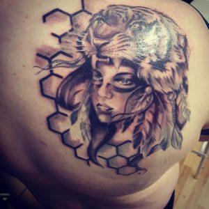 Jak Zadbać O Swój Tatuaż Woman In The World